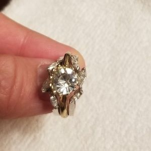 Jewelry - 14k ring guard size 6.5